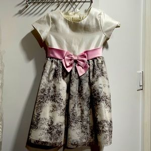 Beautiful dress for toddler